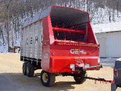 Completely Rebuilt Pictures of the Gehl 980 Steel Sided Chopper Box / Forage Box / Forage Wagon - Ready to go back to its Owner