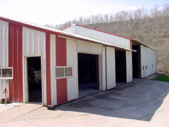 Repair Shop for Chopper Boxes / Forage Boxes / Forage Wagons